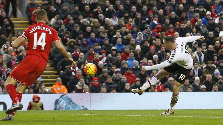 """Сегодня. Ливерпуль. """"Ливерпуль"""" – """"Манчестер Юнайтед"""" - 0:1. Капитан """"МЮ"""" Уэйн РУНИ забивает гол. Фото REUTERS"""