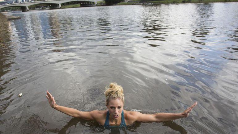 Заплыв Анжелики КЕРБЕР. Фото AFP