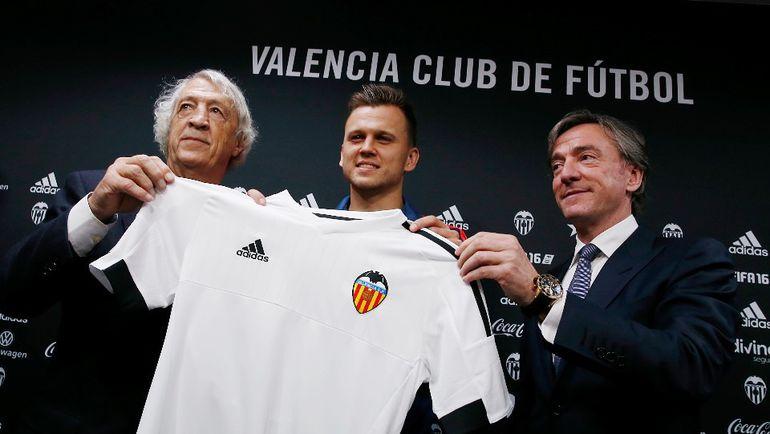 Денис ЧЕРЫШЕВ переехал из Мадрида в Валенсию. Фото valenciacf.com