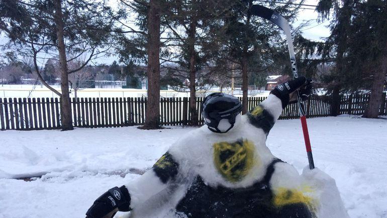 Джон Скотт из снега.