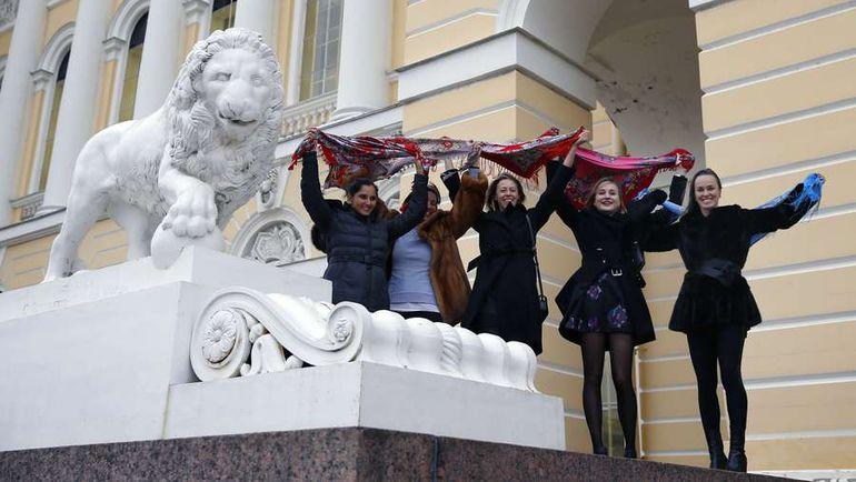 Участницы St. Petersburg Ladies Trophy на экскурсии. Фото AFP