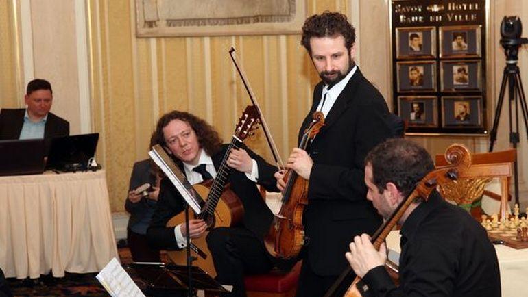 Трио российских музыкантов покорило Цюрих. Фото Владимир БАРСКИЙ.