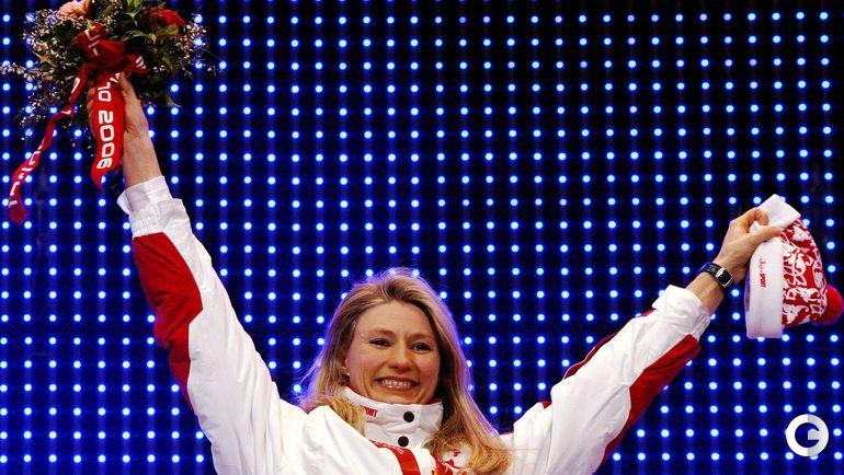 15 февраля 2006 года. Турин. Светлана ЖУРОВА - олимпийская чемпионка на дистанции 500 м. Фото REUTERS