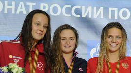 Виктория ГЮНЕШ-СОЛНЦЕВА (слева) идет по стопам самой известной воспитанницы тренера Вятчаниной - чемпионки мира Юлии ЕФИМОВОЙ (справа).