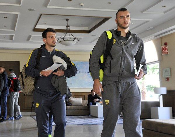 """Игроки """"Анжи"""" в отеле Малаги."""