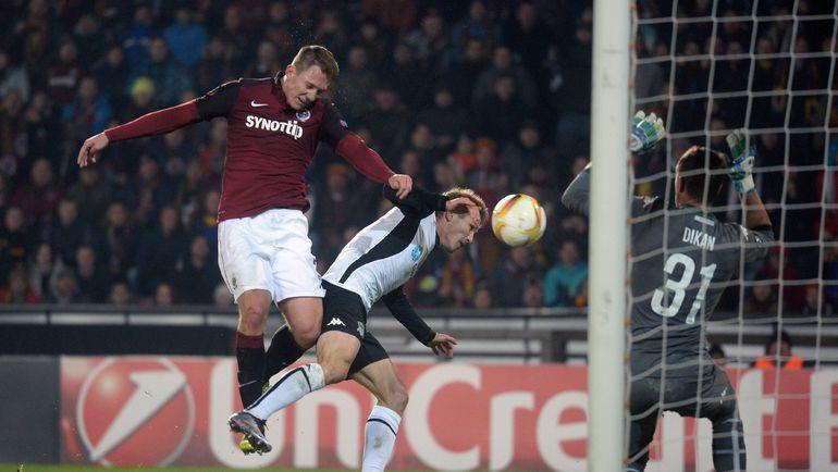 Четверг. Прага. 'Спарта' – 'Краснодар' – 1:0. 64-я минута. Победный гол Лукаша ЮЛИША (слева). Фото AFP