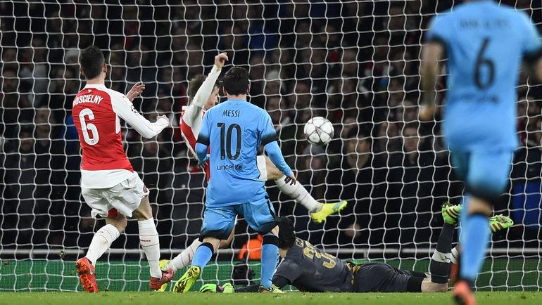 """Вторник. Лондон. """"Арсенал"""" – """"Барселона"""" – 0:2. 71-я минута. Лионель МЕССИ (10) открывает счет в матче. Фото REUTERS"""