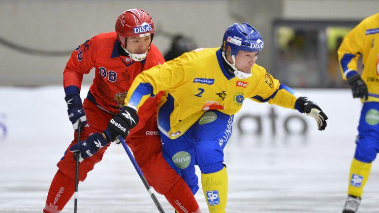 Хоккей с мячом признан МОК, но пока не может добиться полноценной олимпийской прописки. Фото AFP