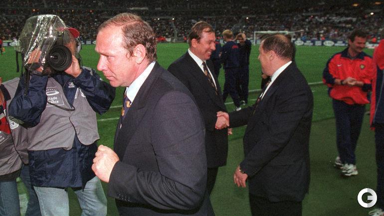 5 июня 1999. Париж. Франция - Россия - 2:3. Олег РОМАНЦЕВ после победы. Фото Сергей КИВРИН