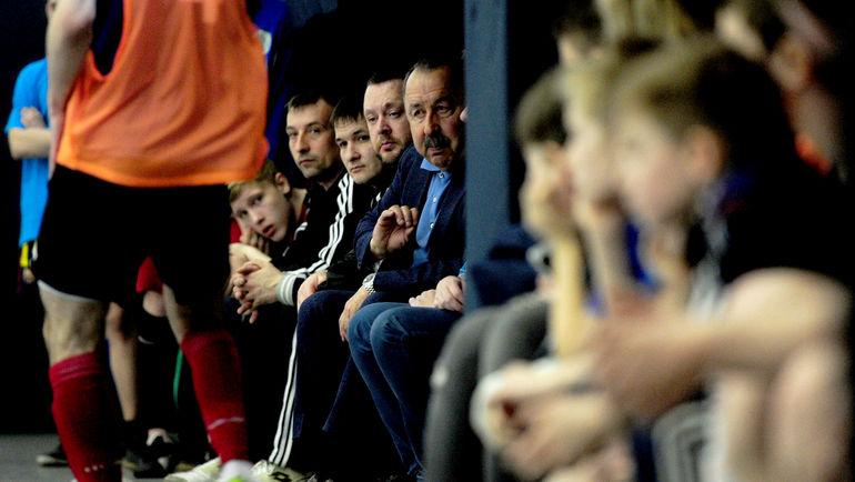 """Валерий ГАЗЗАЕВ внимательно следит за игрой. Фото Никита УСПЕНСКИЙ, """"СЭ"""""""