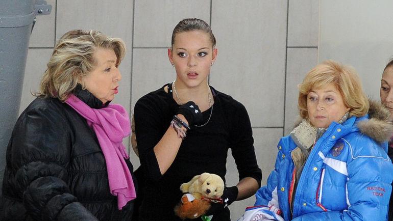 """Елена БУЯНОВА (справа), Аделина СОТНИКОВА (в центре) и Татьяна ТАРАСОВА. Фото Федор УСПЕНСКИЙ, """"СЭ"""""""