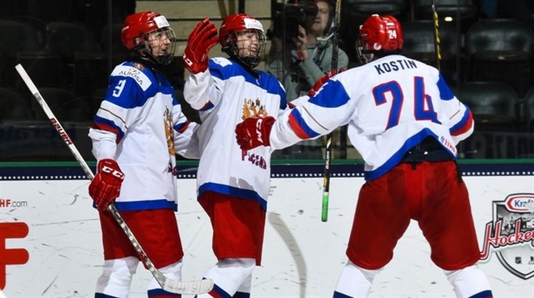 Молодые спортсмены-хоккеисты из России впервые победили на чемпионате мира