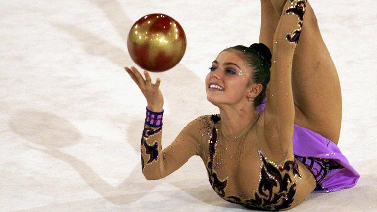2001 год. Алина КАБАЕВА. Фото REUTERS