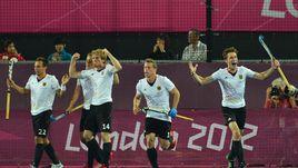Немецкие хоккеисты в финале переиграли Голландию