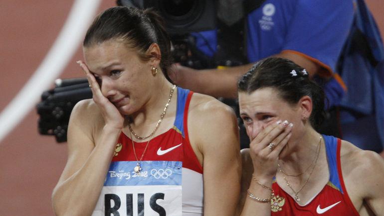 """Юлия ЧЕРМОШАНСКАЯ (слева) - единственная золотая медалистка в """"списке 14"""". Фото Александр ВИЛЬФ, """"СЭ"""""""