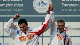 Фролов и Наумов принесли первую медаль