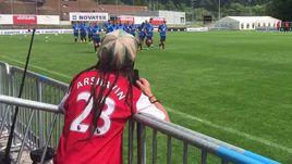 ЯКИН наблюдает за тренировкой сборной России.