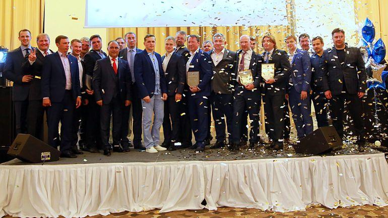 Пятница. Геленджик. Лауреаты Высшей хоккейной лиги на церемонии закрытия сезона. Фото ВХЛ