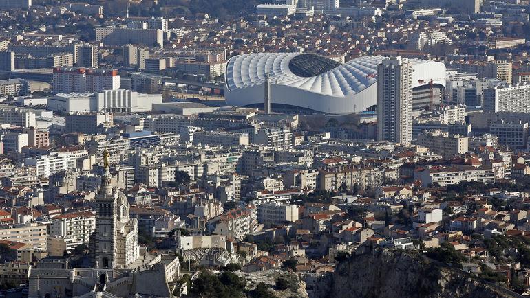 Вид на марсельский стадион 'Велодром' и его окрестности. Фото REUTERS