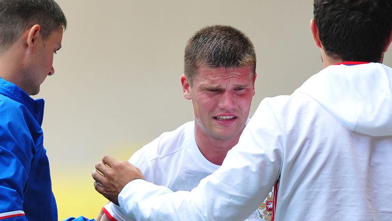 Сборная РФ пофутболу лишилась 2-го полузащитника перед Евро