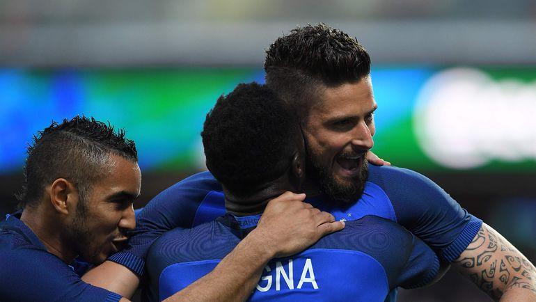 Франция победила Румынию в стартовом матче Евро-2016 (Видео)