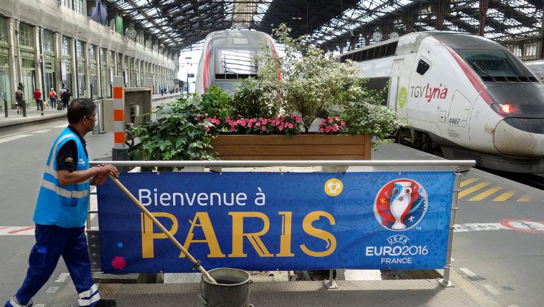 Парижский вокзал - не самое дружелюбное место для гостей Euro. Фото REUTERS