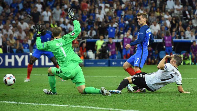7 июля. Марсель. Германия - Франция - 0:2. 72-я минута. Антуан ГРИЗМАНН (№ 7) оформляет свой второй дубль на турнире. Фото AFP