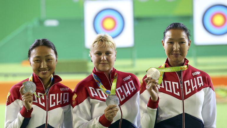 Женская сборная Российской Федерации пострельбе излука завоевали наОИ серебреные медали