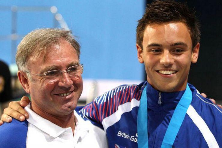Алексей ЕВАНГУЛОВ (слева). Фото sportinglife.com