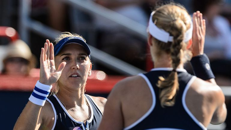 Елена ВЕСНИНА (слева) и Екатерина МАКАРОВА: есть финал Олимпиады! Фото AFP