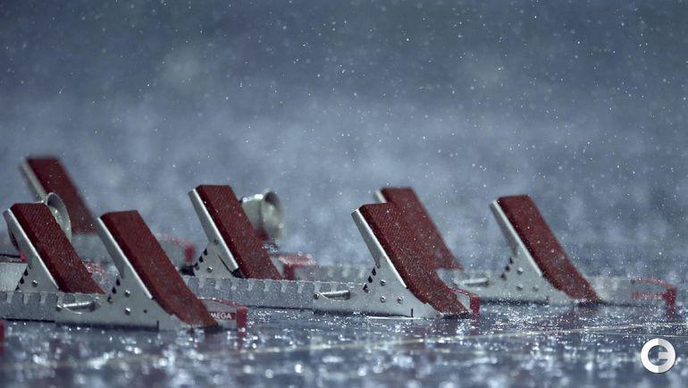 Понедельник. Рио-де-Жанейро. Первые забеги прошли под проливным дождем. Организаторы прервали соревнования лишь перед третьей группой спортсменов..