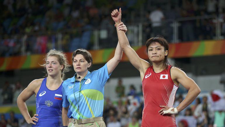 Валерия КОБЛОВА (в синем) и Каори ИЧО. Фото REUTERS