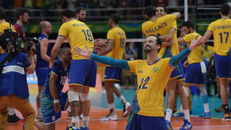 Сегодня. Рио-де-Жанейро. Бразилия - Россия - 3:0. Ликование хозяев. Фото REUTERS