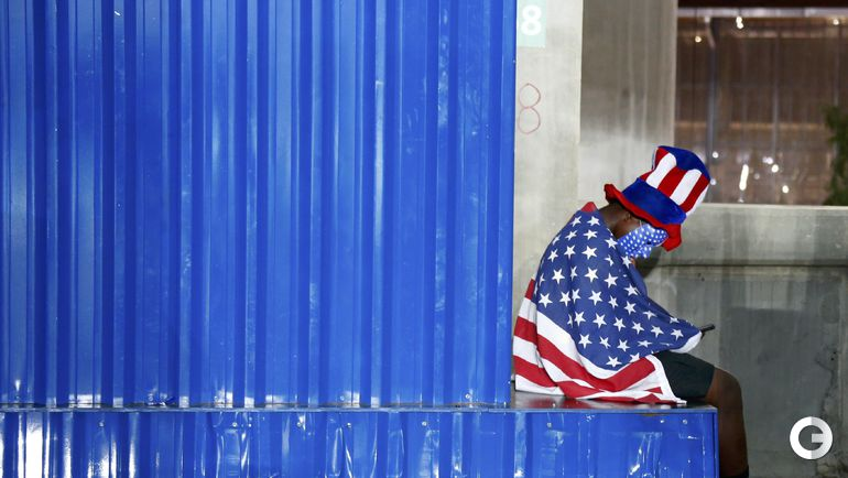 Воскресенье. Рио-де-Жанейро. Болельщик сборной США.