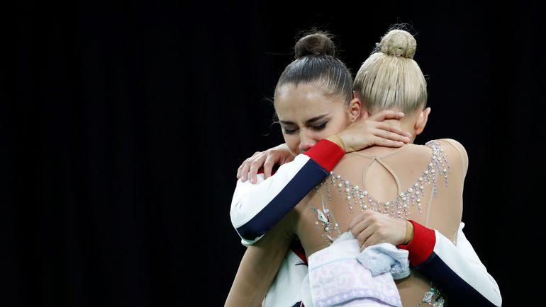 Суббота. Рио-де-Жанейро. Маргарита МАМУН и Яна КУДРЯВЦЕВА (справа), занявшая второе место. Фото AFP