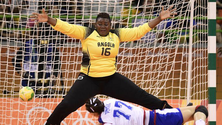 Вратарь сборной Анголы Тереза Патрисия АЛМЕЙДА. Фото AFP