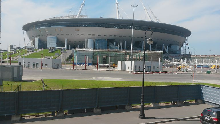стадион в питере строится фото
