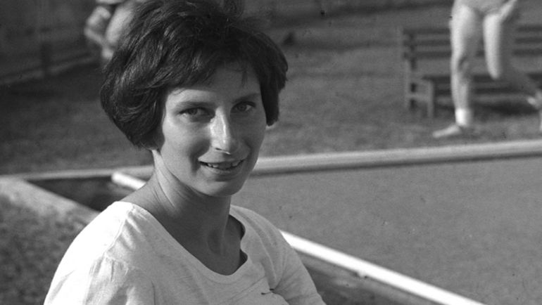 Ирена ШЕВИНЬСКАЯ. Участница пяти Олимпиад (три золота, два серебра и две бронзы с 1964-го по 1972-й). Побила 10 мировых рекордов. Единственной из атлетов обоих полов владела рекордами мира на дистанциях 100, 200 и 400 м.