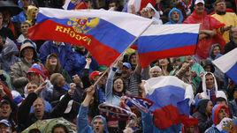 Российские болельщики любят футбол в любую погоду. Но получают ли они того, чего достойны?