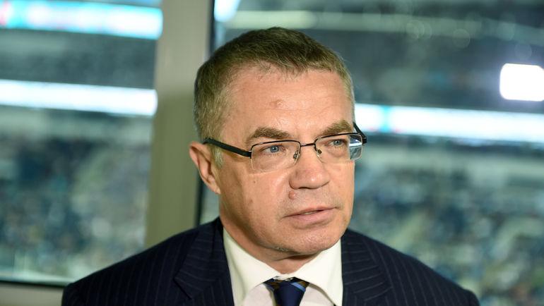 Медведев: сборная РФ заслуживает места вполуфиналеКМ