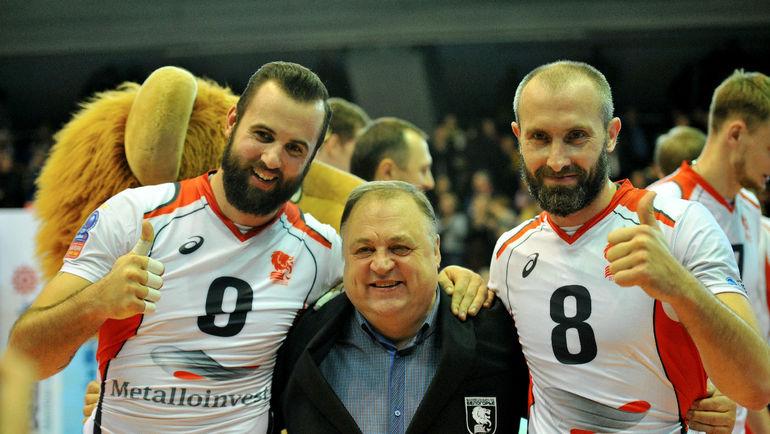 Геннадий ШИПУЛИН (в центре) и Сергей ТЕТЮХИН. Фото Юрий БОГРАД