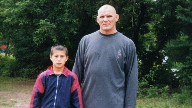 2000 год. Александр КАРЕЛИН и 9-летний Роман ВЛАСОВ.