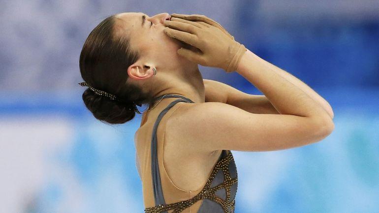 Олимпийская чемпионка Аделина СОТНИКОВА предпочитает ставить свои программы у Петра Чернышева. Фото REUTERS