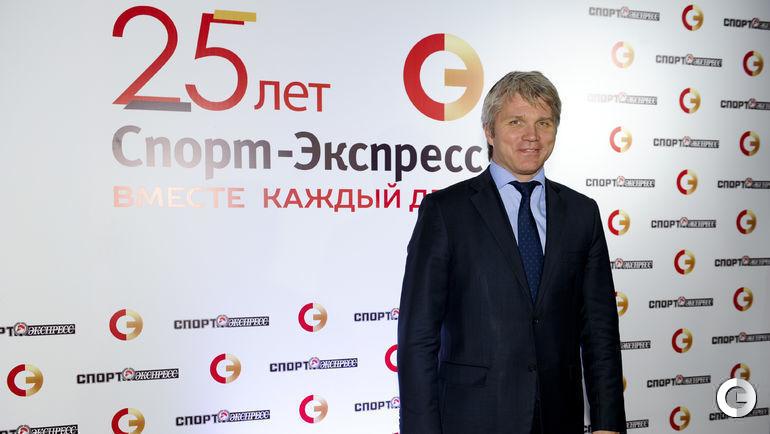 """Павел КОЛОБКОВ на торжественном юбилейном вечере """"СЭ""""."""
