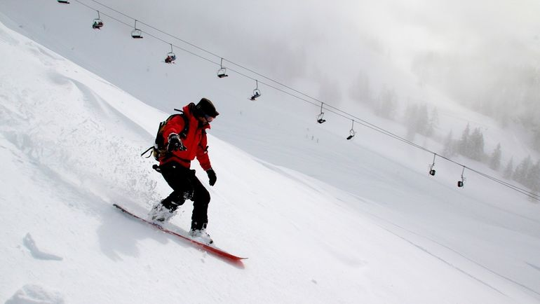 Всё больше ребят хочет приобщиться к сноубордингу.