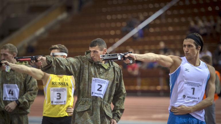 В субботу в манеже ЦСКА состоялся первый в стране официальный турнир по лазер-рану. Фото Александр ОРЕШНИКОВ