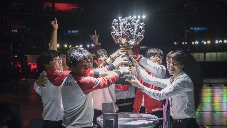 SK Telecom T1 - трехкратные чемпионы мира по League of Legends. Фото Online News Planet