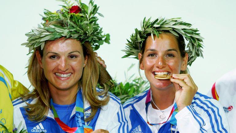 Олимпийская чемпионка София БЕКАТОРУ (справа) помогала Екатерине СКУДИНОЙ готовится к Олимпиаде в Лондоне. Фото AFP