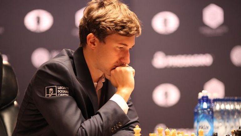 Шахматисты Карякин иКарлсен провели короткую ничейную встречу