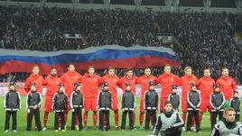 Вторник. Грозный. Россия - Румыния - 1:0. Игроки сборной России перед началом матча.